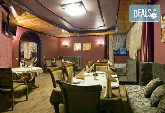 СПА Гергьовден във Велинград! 2 нощувки със закуски и вечери в луксозна стая с джакузи и празничен обяд в Спа хотел Хевън 4*! - Снимка 10
