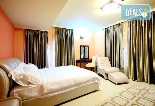 СПА Гергьовден във Велинград! 2 нощувки със закуски и вечери в луксозна стая с джакузи и празничен обяд в Спа хотел Хевън 4*! - Снимка 5