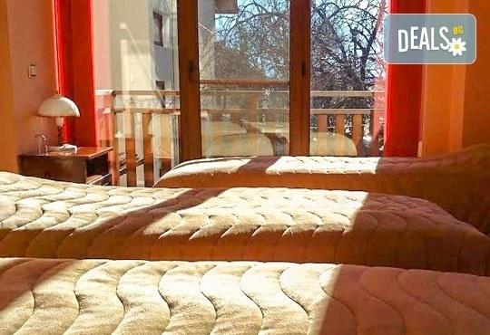 Почивка през май или юни в къща за гости Карпе Дием, с. Баня, Разлог: 1 нощувка със закуска или закуска и вечеря от Еврохолидейс! - Снимка 5