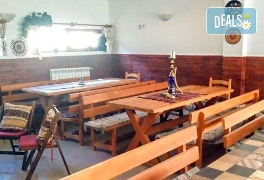 Почивка през май или юни в къща за гости Карпе Дием, с. Баня, Разлог: 1 нощувка със закуска или закуска и вечеря от Еврохолидейс! - Снимка 6
