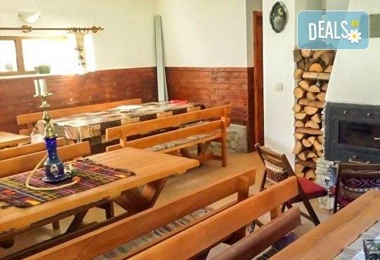 Почивка през май или юни в къща за гости Карпе Дием, с. Баня, Разлог: 1 нощувка със закуска или закуска и вечеря от Еврохолидейс! - Снимка 8