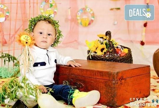 Професионална детска/семейна студийна фотосесия на пролетно-великденска тематика в студио Видеограф, Кюстендил! - Снимка 6