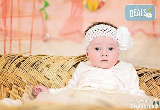 Професионална детска/семейна студийна фотосесия на пролетно-великденска тематика в студио Видеограф, Кюстендил! - Снимка 4