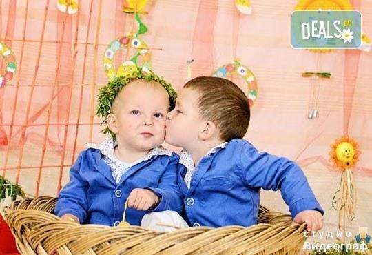 Професионална детска/семейна студийна фотосесия на пролетно-великденска тематика в студио Видеограф, Кюстендил! - Снимка 9