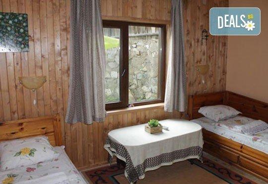 Почивка във възрожденската атмосфера на Копривщица от април до септември! 1 нощувка в помещение по избор в семеен хотел Планински рай 2*! - Снимка 7