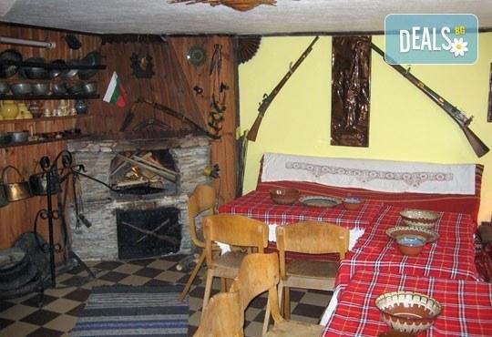 Почивка във възрожденската атмосфера на Копривщица от април до септември! 1 нощувка в помещение по избор в семеен хотел Планински рай 2*! - Снимка 11