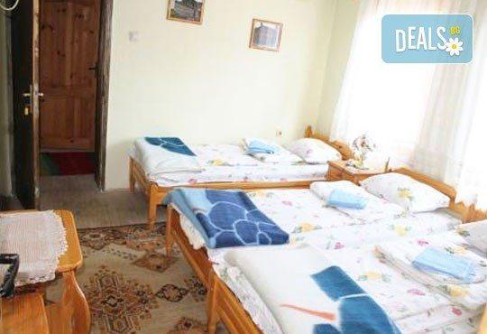 Почивка във възрожденската атмосфера на Копривщица от април до септември! 1 нощувка в помещение по избор в семеен хотел Планински рай 2*! - Снимка 3