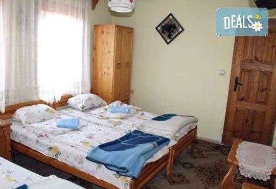 Почивка във възрожденската атмосфера на Копривщица от април до септември! 1 нощувка в помещение по избор в семеен хотел Планински рай 2*! - Снимка 6