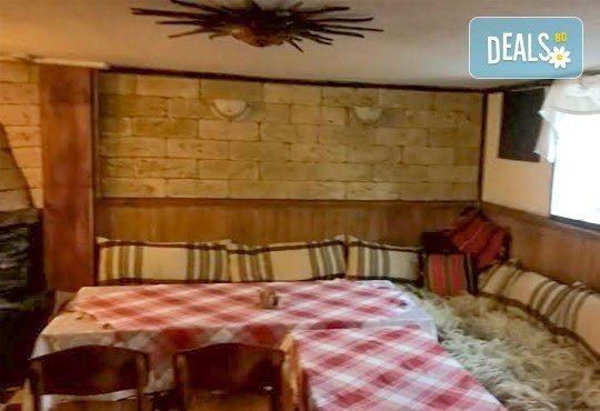 Почивка във възрожденската атмосфера на Копривщица от април до септември! 1 нощувка в помещение по избор в семеен хотел Планински рай 2*! - Снимка 12