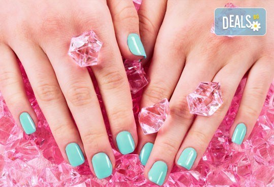 Перфектни ръце! Маникюр с гел лак SNB в Chocolate & Beauty - Снимка 1