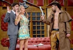 Асен Блатечки в най-новия спектакъл на Театрална къща Viva Arte - Опасно за живота, на 27.05. от 19ч, Театър Сълза и Смях - Снимка