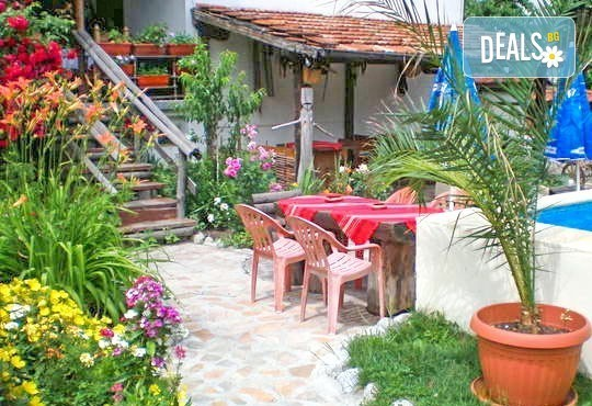 За Гергьовден елате в Добринище! 2 нощувки със закуски и ползване на сауна и парна баня в Старата Тонина къща 2*! - Снимка 2