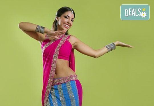 Потопете се в света на индийските танци! Раздвижете тялото си с 6 посещения в Dance Center Suerte! - Снимка 1