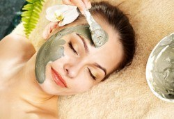 Натурална почистваща терапия за лице в 10 стъпки с вулканична кал и ултразвук със серум или ампула в Kult Beauty! - Снимка