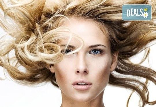 Добавете свежи нюанси в косата! Боядисване с професионална боя, маска и оформяне на косата със сешоар от СПА студио Кадифе! - Снимка 7