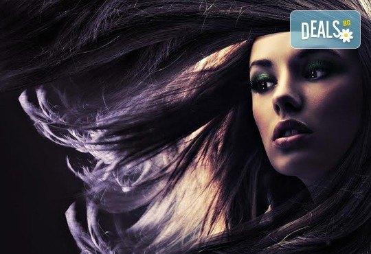 Добавете свежи нюанси в косата! Боядисване с професионална боя, маска и оформяне на косата със сешоар от СПА студио Кадифе! - Снимка 9