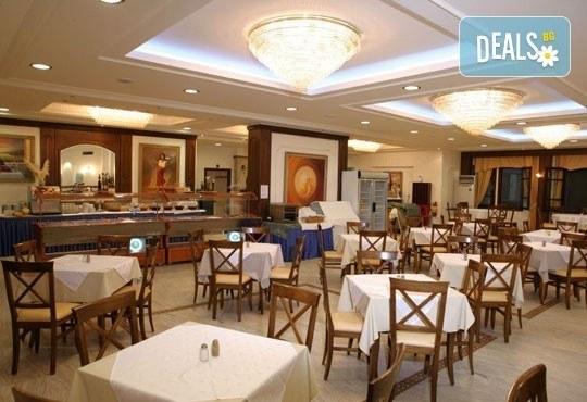 Ранни записвания за почивка в Chrousso Village Hotel 4*, Касандра, Гърция! 5 нощувки на база All Inclusive, ползване на басейн с чадъри и шезлонги! - Снимка 7