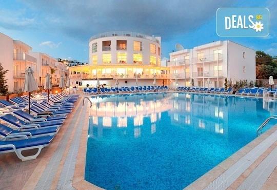 Септемврийски празници в Bodrum Beach Resort 4*, Бодрум, Турция! 5 нощувки, All Inclusive, възможност за транспорт! - Снимка 1