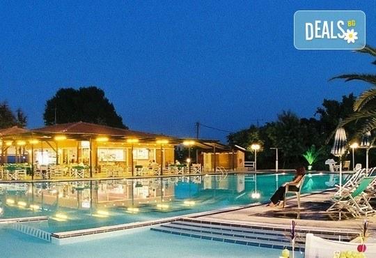 Почивайте през юни и септември в Poseidon Palace 4*, Олимпийска Ривиера, Гърция! 3 или 5 нощувки на база All Inclusive, ползване на басейн с чадъри и шезлонги! - Снимка 16