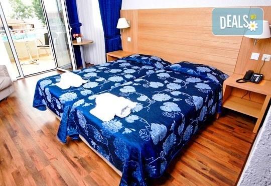 Почивайте през юни и септември в Poseidon Palace 4*, Олимпийска Ривиера, Гърция! 3 или 5 нощувки на база All Inclusive, ползване на басейн с чадъри и шезлонги! - Снимка 5