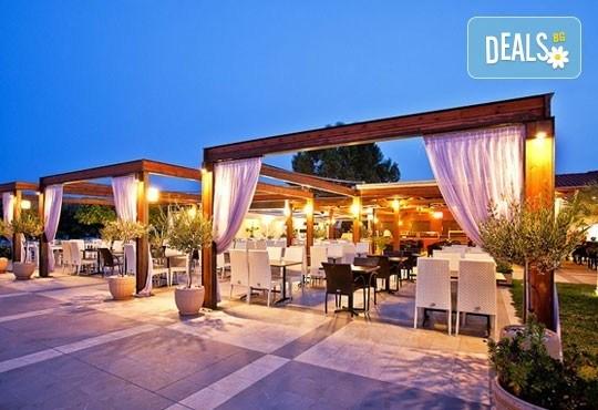 Почивайте през юни и септември в Poseidon Palace 4*, Олимпийска Ривиера, Гърция! 3 или 5 нощувки на база All Inclusive, ползване на басейн с чадъри и шезлонги! - Снимка 9