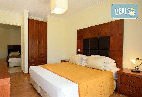 На море в Гърция през юни или септември в хотел Village Mare 4*, Халкидики! 5/7 нощувки на база All inclusive, ползване на басейн! - Снимка 9