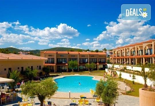 На море в Гърция през юли или септември в хотел Village Mare 4*, Халкидики! 5/7 нощувки на база All inclusive, ползване на басейн! - Снимка 1