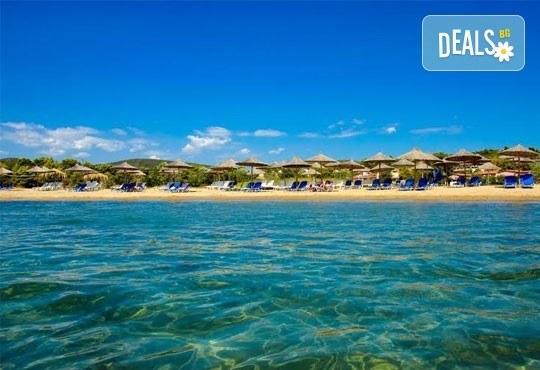 Почивайте в разгара на лятото в хотел Village Mare 4*, Халкидики, Гърция! 5/7 нощувки на база All inclusive, ползване на басейн! - Снимка 4