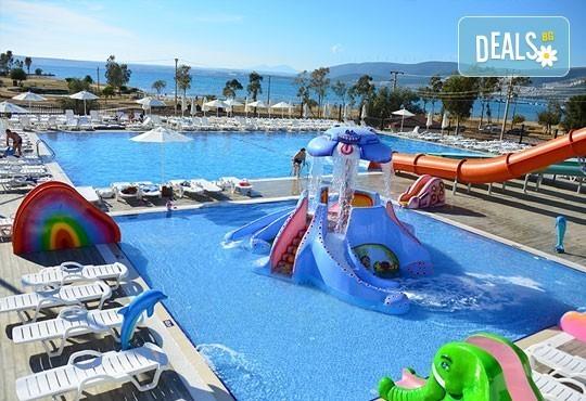 Супер почивка - на море през юли в Ramada Resort Hotel Akbuk 4+*, Дидим! 7 нощувки, All Inclusive и възможност за транспорт! Дете до 11 години безплатно! - Снимка 16