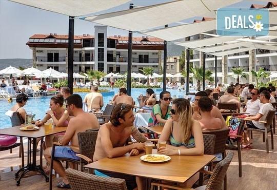 Супер почивка - на море през юли в Ramada Resort Hotel Akbuk 4+*, Дидим! 7 нощувки, All Inclusive и възможност за транспорт! Дете до 11 години безплатно! - Снимка 9