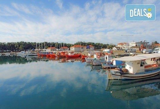Лятна екскурзия до о. Тасос - зеления рай на Гърция! 2 нощувки със закуски в хотел 2/3*, транспорт и турове до Кавала и Солун! - Снимка 5