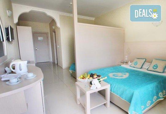 Почивка със самолет в Анталия от 28 май до 4 юни! 7 нощувки, Ultra All Inclusive в хотел Daima Biz Resort 5*, двупосочен билет, летищни такси и трансфери - Снимка 3