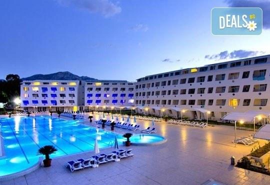 Почивка със самолет в Анталия от 28 май до 4 юни! 7 нощувки, Ultra All Inclusive в хотел Daima Biz Resort 5*, двупосочен билет, летищни такси и трансфери - Снимка 1
