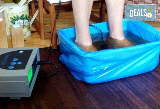 150-минутен SPA-MIX - масаж на цяло тяло, Hot-Stone терапия, рефлекторен масаж на стъпала и длани, антицелулитен вибромасаж на долни крайници и йонна детоксикация - Снимка 6