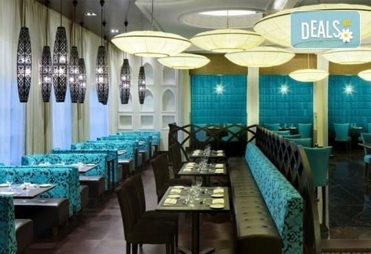 Почивка в Sheraton Sharjah Beach Resort and SPA 5*, Дубай, през юни! 4 нощувки със закуски, самолетен билет, летищни такси и трансфери! - Снимка 6