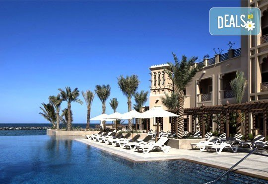 Почивка в Sheraton Sharjah Beach Resort and SPA 5*, Дубай, през юни! 4 нощувки със закуски, самолетен билет, летищни такси и трансфери! - Снимка 7