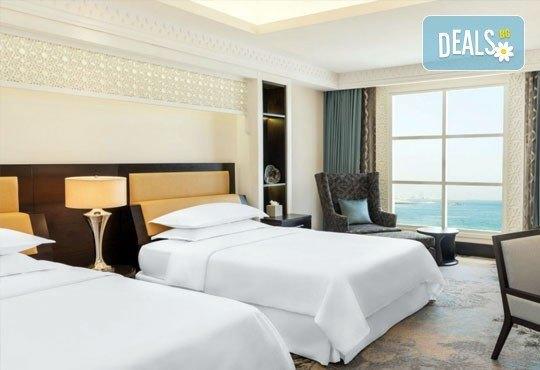 Почивка в Sheraton Sharjah Beach Resort and SPA 5*, Дубай, през юни! 4 нощувки със закуски, самолетен билет, летищни такси и трансфери! - Снимка 4
