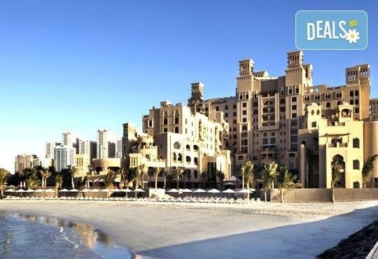 Почивка в Sheraton Sharjah Beach Resort and SPA 5*, Дубай, през юни! 4 нощувки със закуски, самолетен билет, летищни такси и трансфери! - Снимка 3