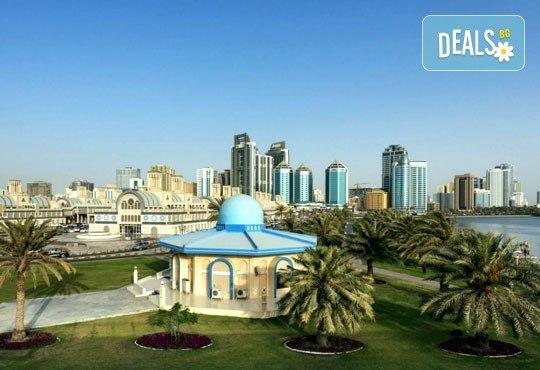 Почивка в Sheraton Sharjah Beach Resort and SPA 5*, Дубай, през юни! 4 нощувки със закуски, самолетен билет, летищни такси и трансфери! - Снимка 1