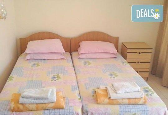 Семейна почивка в къща за гости Преслав 2*, Несебър! 3, 5 или 7 нощувки в апартамент. Цената е на помещение в период по избор! - Снимка 6