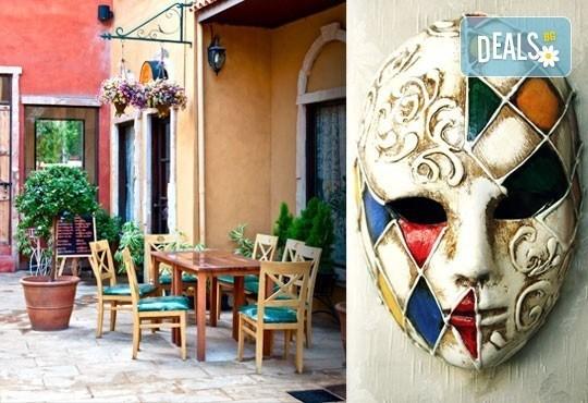 Най-доброто от Италия! Екскурзия през септември до Рим, Пиза, Сан Джеминиано, Флоренция, Болоня и Венеция: 6 нощувки, закуски и туристическа програма! - Снимка 1