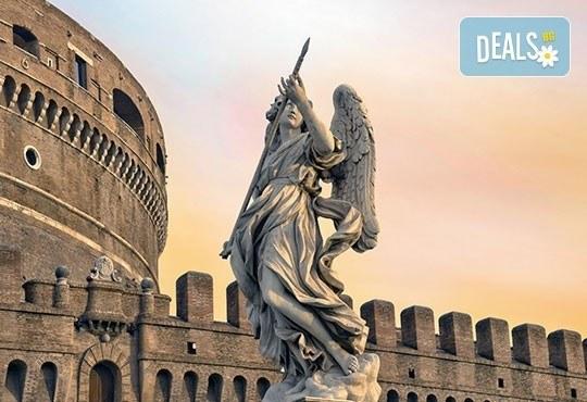 Вечният град - Рим, Ви очаква! Самолетна екскурзия, 4 нощувки със закуски, билет, летищни такси, трансфери и застраховка! - Снимка 1