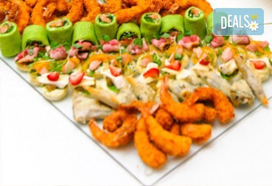 За добро представяне! 4 сета с 96 хапки - меню за гости, аранжирани за сервиране и безплатна доставка за София от кулинарна работилница Деличи - Снимка 2