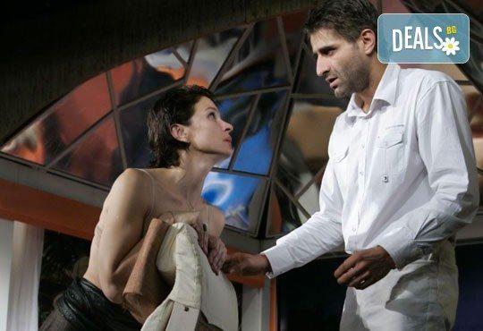 Вечер на смеха с комедията Канкун от Жорди Галсеран на 25-ти май (сряда) в МГТ Зад Канала - Снимка 3