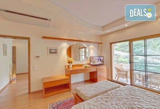 Super Last Minute! Почивка в Possidi Holidays Resort & SPA 5*, Касандра, Гърция - 5 нощувки със закуски, обяди и вечери, безплатно за дете до 11 г.! - Снимка 3