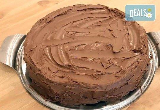 С повод или без! Вземете топящ се в устата шоколадов чийзкейк - цели 2 килограма, 16 парчета, от сладкарница Cheesecakers! - Снимка 3