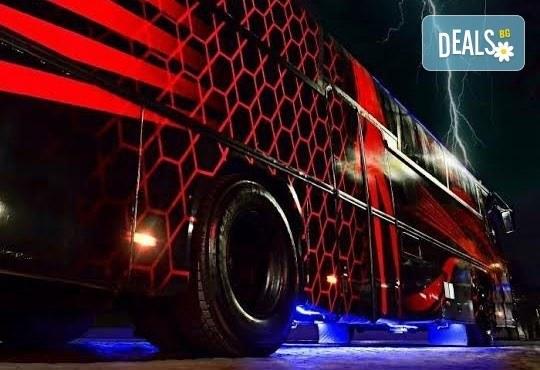 Вече и у нас! 5 часа лудо парти в уникалната обстановка на най-големия пътуващ парти бус от Party Bus Night Angels! - Снимка 2