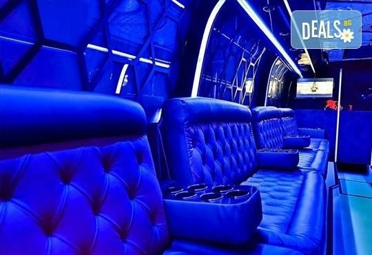 Вече и у нас! 5 часа лудо парти в уникалната обстановка на най-големия пътуващ парти бус от Party Bus Night Angels! - Снимка 3