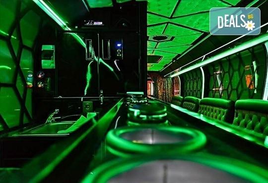 Вече и у нас! 5 часа лудо парти в уникалната обстановка на най-големия пътуващ парти бус от Party Bus Night Angels! - Снимка 4