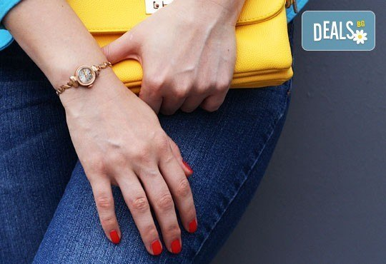Бъдете стилни, добавете цвят и красота с класически маникюр с гел лак Bluesky или S&A в салон Виктория! - Снимка 1